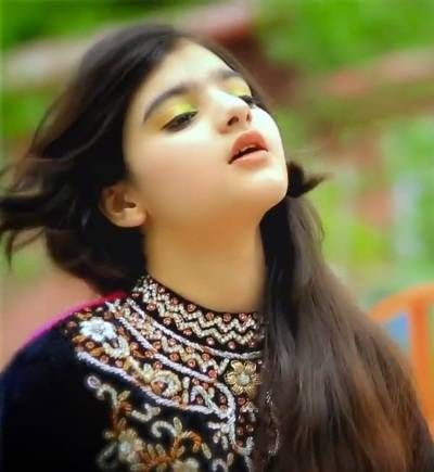This 14 Year Old Girl Is One Of The Most Beautiful Singers See Photos 14 Year Old Girl Old Girl Beautiful Girl Indian