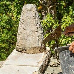 Comment Poser Une Couverture En Lauzes Clouees Sur Un Abris Mortier De Chaux Couverture Comment Poser