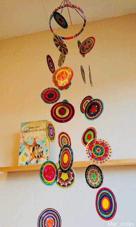 Cheerful mobile made of molten plastic cups! | tinkering | crafttip | deknutseljufede | plasticcups | De Knutseljuf Ede