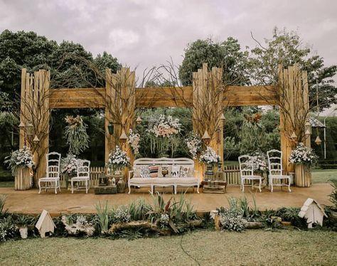 Natural Rustic Decoration Kombinasi Yang Sederhana Dan Sempurna Mengolah Materi Natu Garden Wedding Decorations Diy Wedding Backdrop Wedding Venue Decorations