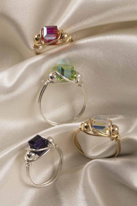 Learn the art of making wire jewelry - Learn .- Erlernen Sie die Kunst, Drahtschmuck herzustellen – Erlernen Sie die Kunst der … Learn the Art of Making Wire Jewelry – Learn the Art of Making Wire Jewelry Cute Jewelry, Jewelry Crafts, Jewelry Art, Jewlery, Fashion Jewelry, Jewelry Ideas, Wire Jewellery, Jewellery Shops, Handmade Wire Jewelry