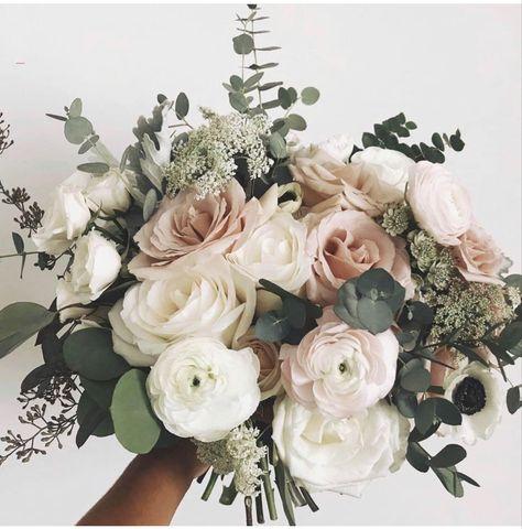 Spring Wedding Bouquets, Rose Wedding Bouquet, Bride Bouquets, Bridal Flowers, Floral Wedding, Wedding Colors, Rustic Wedding, Burgundy Wedding, Blush Wedding Flowers