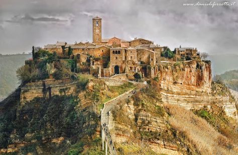 Civita Di Bagnoregio Viterbo Italy Italy Places To Go Castle