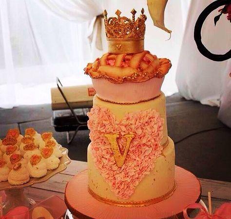 Jessie James Deckers baby shower cake I made