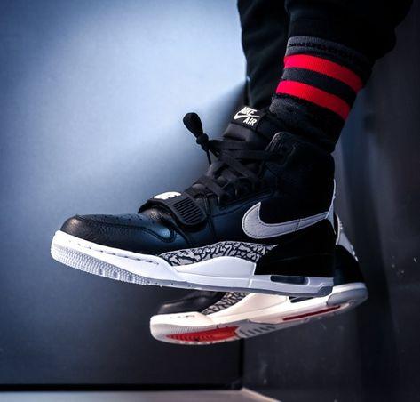 quality design 21af7 46903 Weißer Nike Jordan Flight Origin 4