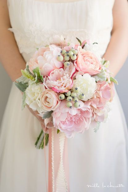 Bouquet Sposa 2019.Peony Rose X Ranunculus Pink Flower Round Clutch Bouquet