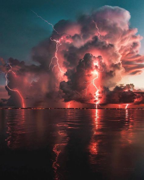 When you go out to shoot sunset and this intense lightning storm rolls in ? P… When you go out to shoot sunset and this intense lightning storm rolls in ? Photo by Explore.