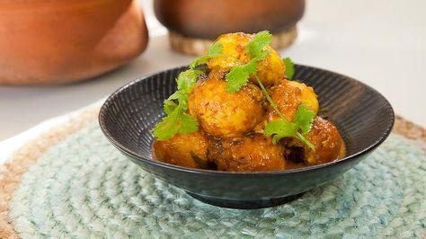 Sri Lankan Egg Curry Peter Kuruvita Curry Recipes Sbs