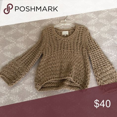 Anthropologie moon river sweater Excellent condition worn once Anthropologie Sweaters Crew & Scoop Necks