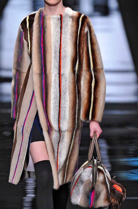 .Trends 2018 Fashion Fur