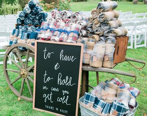 If you're planning a fall wedding, you may want to offer wedding blankets for guests. But finding cheap wedding blanket favors isn't easy if you don't know where to look! That's why we couldn't wait to share these wedding blankets we spotted at. Creative Wedding Favors, Inexpensive Wedding Favors, Candy Wedding Favors, Wedding Gifts For Guests, Beach Wedding Favors, Bridal Shower Favors, Wedding Tokens, Winter Wedding Favors, Fall Wedding Decorations