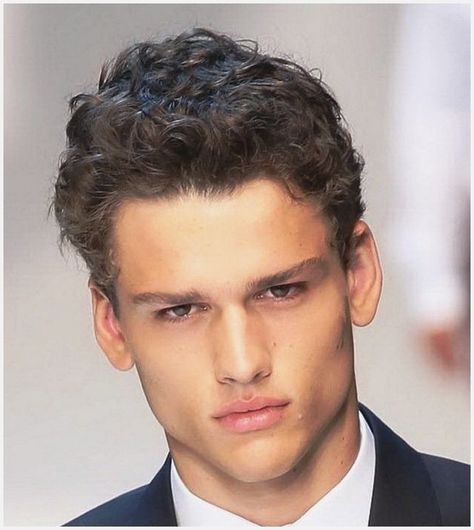 Mens Haircuts Round Face more picture Mens Haircuts Round