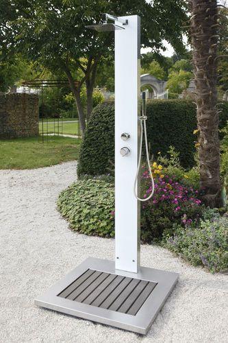 Garten Dusche Tobago Zum Duschen Mit Kalt Und Warmwasser In 2020 Gartendusche Aussenbad Glasduschen
