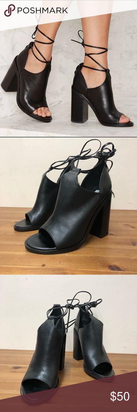 6a204f26e20 Steve Madden TILDAA Lace up Bootie (9) Heels 100% Authentic TILDAA Black  leather