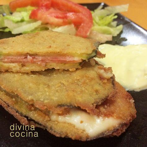 Este San Jacobo de calabacín o berenjena se sirve caliente, recién frito, acompañado de una ensalada verde y una salsa a tu gusto (mayonesa, salsa de tomate casera...). A mi me gusta también tomarlos fríos.