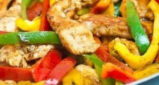 اطباق رمضان طريقة تحضير فاهيتا الدجاج المقادير نصف كيلو من الدجاج المسحب من العظام 1 حبة من ال Healthy Chicken Fajitas Chicken Fajita Recipe Fajita Recipe