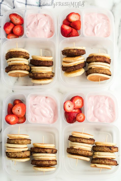 DIY Lunchable Brunchable Sausage Lunchbox – Family Fresh Meals DIY Lunchable Brunchable Sausage Lunchbox Hello everyone, Today, we have shown Family Fresh Meals DIY Lunchable Sausage Brunchable Lunchbox Idea Lunch Snacks, Clean Eating Snacks, Lunch Recipes, Baby Food Recipes, Kid Lunches, Packing School Lunches, Diy Snacks, Kids Lunch For School, Healthy School Lunches
