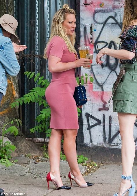 Hilary Duff reveals her bountiful backside as she laughs on set She recently enjoyed a girls night out with Lea Michele. But it was back to work for Hilary Duff as she was seen on the set of TV Land's Younger in New York City on Friday.