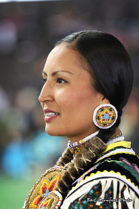 Photos taken from Saddle Lake Powwow Native American Models, Native American Costumes, Native American Pictures, Native American Quotes, Native American Beauty, Native American Tribes, Native American History, American Indians, American Symbols