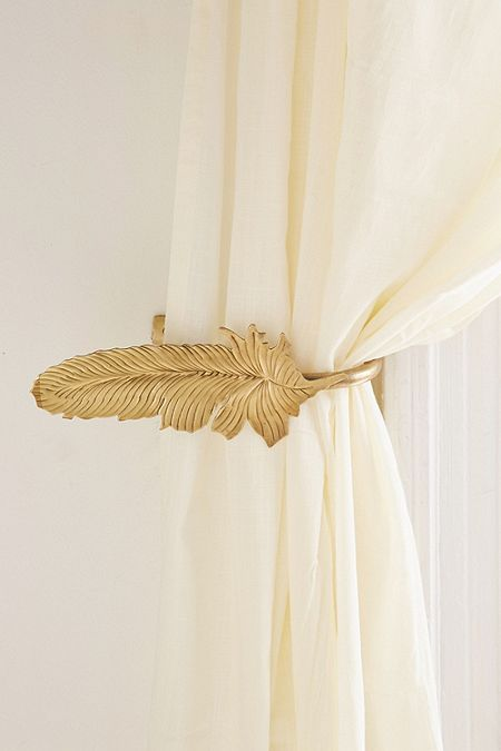 Magical Thinking Feather Curtain Tie Back Decoracion De Unas