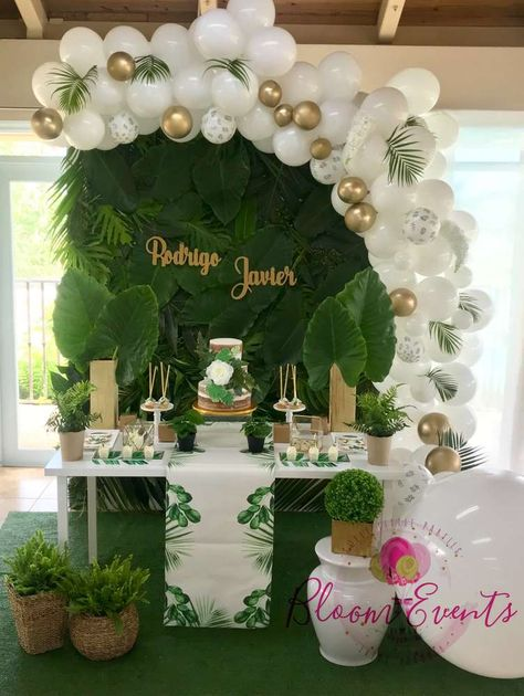 Valmaly A's Baby Shower / Tropical - Photo Gallery at Catch My Party Deco Baby Shower, Boy Baby Shower Themes, Baby Shower Balloons, Shower Party, Baby Shower Parties, Baby Boy Shower, Shower Favors, Baby Showers, Birthday Decorations