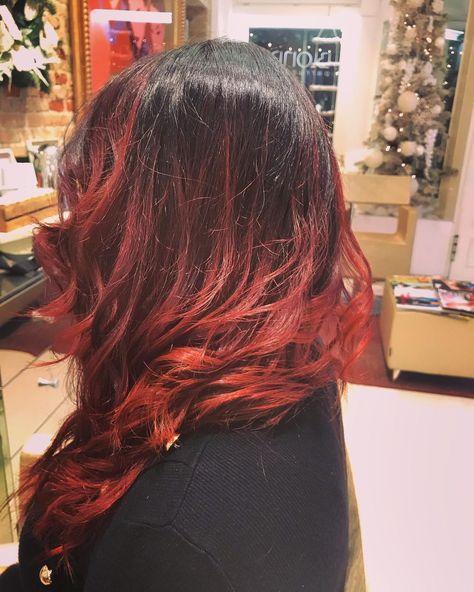 DONNA colore e taglio capelli lunghi