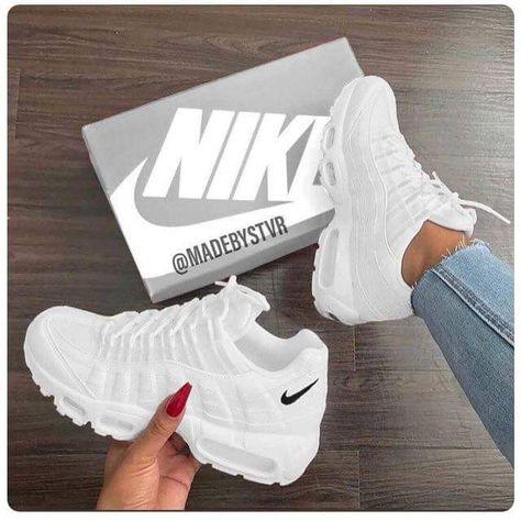 Pin de Valeriie Joan en Nike | Zapatillas mujer nike