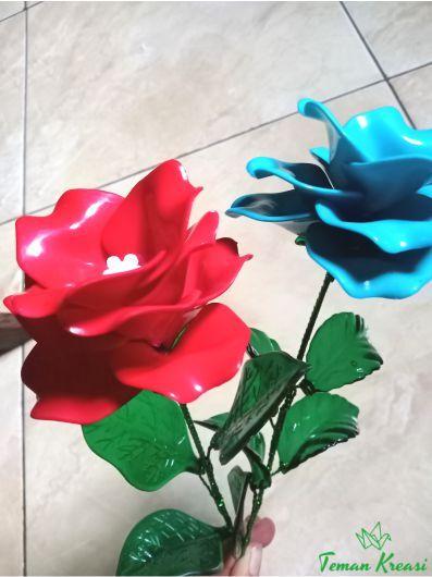 Yuk Belajar Membuat Bunga Akrilik Bunga Akrilik Saat Ini Banyak Dilirik Pembeli Karena Lebih Awet Dan Menarik Salah Satunya Pola Bunga Bunga Rangkaian Bunga