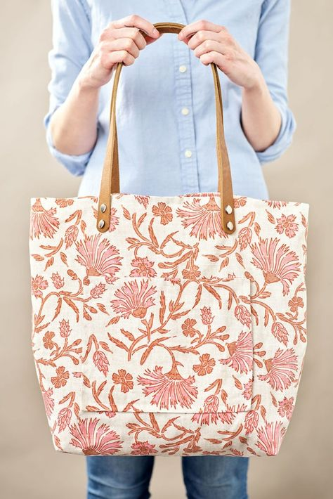Diy Tote Bag, Reusable Tote Bags, Fabric Tote Bags, Fabric Basket, Bag Patterns To Sew, Sewing Patterns, Loom Patterns, Crochet Patterns, Tote Tutorial