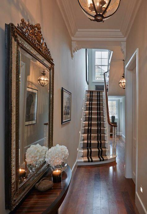 95 Home entry hall ideas for a first impressive impression When Home deco and DIY need inspiration 95 Home entry hall ideas for a first impressive Home entry hall ideas for a first impr Home, Interior, Victorian Hallway, House, Interior Design Styles, Townhouse Interior, Entrance Hall Decor, House Interior, Victorian Homes
