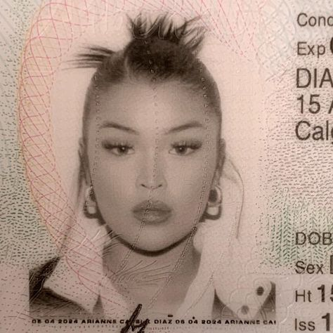 Koleen Diaz, Pretty People, Beautiful People, Passport Pictures, Id Photo, Jenifer Aniston, Teenage Dirtbag, Hair Reference, Teenage Dream