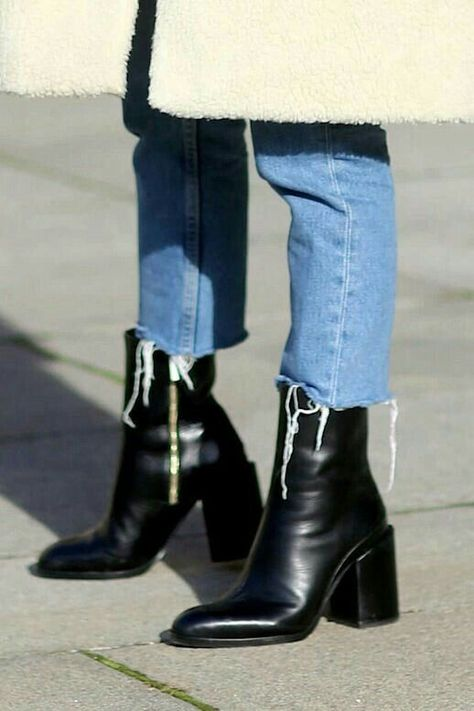 Boots and frayed jeans. Black leather boots are always a good investment.,  #Black #boots #frayed #good #investment #Jeans #leather #shoebootswithjeans