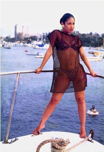 Selena Quintanilla enjoying a day at sea