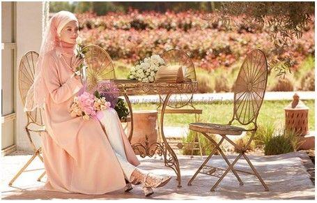 Tugba Elbise Modelleri 2018 Tugba Tugbavenn Nihan Elbise Tesettur Hijab Moda Elbise Elbise Modelleri Kiyafet