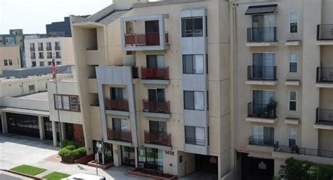 If You Are Looking For Cheap Apartments For Rent In Santa Monica California You Apartments Ca Cheap Apartment For Rent Cheap Apartment Apartments For Rent