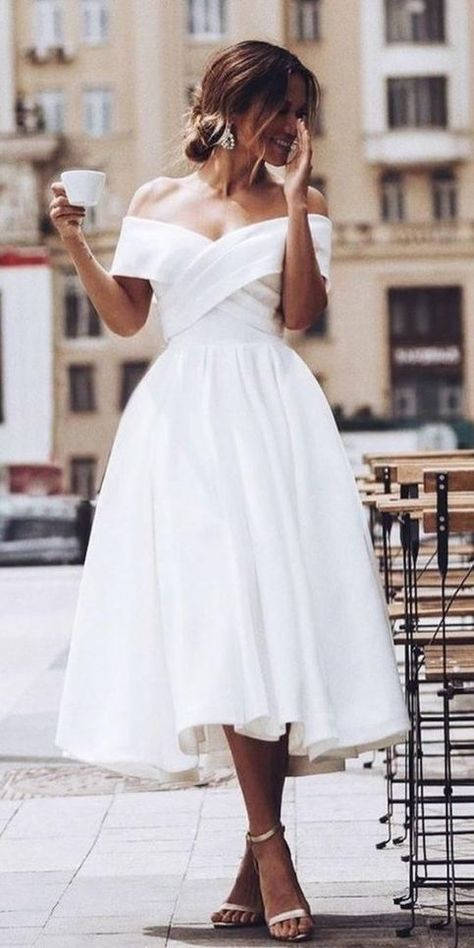 Browse beautiful Tea Length wedding dresses and find the perfect gown to suit your bridal style. Browse beautiful Tea Length wedding dresses and find the perfect gown to suit your bridal style. Civil Wedding Dresses, Wedding Dress Trends, Best Wedding Dresses, Wedding Dresses Simple Short, Casual Wedding Outfits, Casual White Wedding Dress, Civil Ceremony Wedding Dress, Bride Dress Simple, Courthouse Wedding Dress