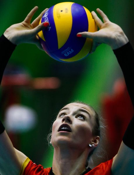 Louisa Lippmann Photos Photos Fivb Volleyball Nations League 2018 Barueri Volleyball Female Volleyball Players Volleyball Poses