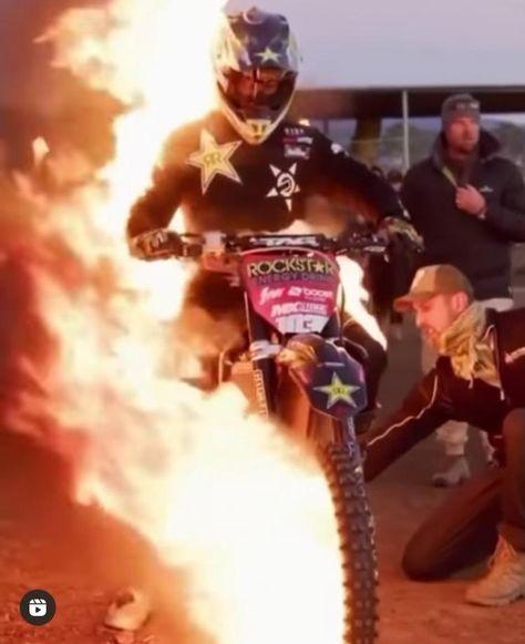 Motocross Movies, Motocross Videos, Motorcross Bike, Motorcycle, Cool Dirt Bikes, Lamborghini Cars, Dirtbikes, Bike Stuff, Ghost Rider