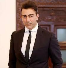 اداکار شان کا ڈپریشن میں مبتلا فنکاروں کو مشورہ Suit Jacket Celebrities Fashion