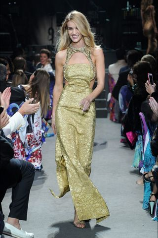 """Rosie Huntington-Whiteley, in Alexander McQueen 