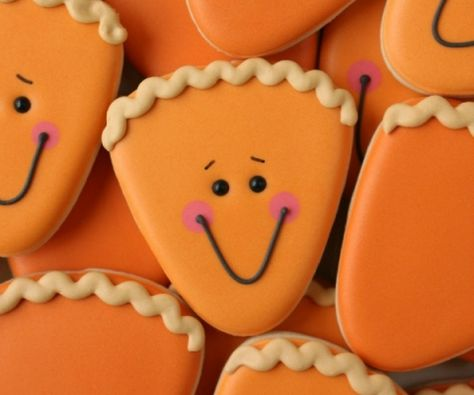 How to Make Cute Thanksgiving Pie Cookies with a Candy Corn Cutter via Sweetsugarbelle.com