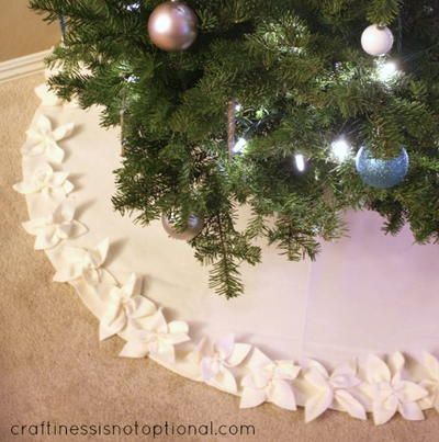 Classy Christmas Poinsettia Tree Skirt Diy Christmas Tree Skirt Classy Christmas Christmas Poinsettia