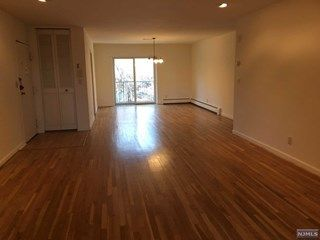 New Jersey Multiple Listing Service Mls Number 1902747 Renting A House Ridgewood Baseboard Heating