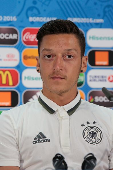 Mesut Ozil Euro 2016 German Press Conference Mesut Ozil Haircut Football Football Pictures