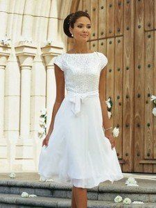 12 Short Wedding Dresses for a Fun, Casual Celebration | Short ...