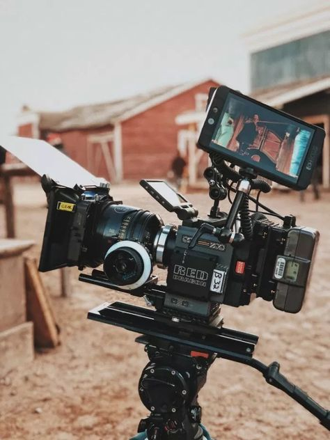 Wondering how your favorite filmmakers create movie magic? Here's a few beginner videography tips to get your travel film career started. Film Logo, La Haine Film, A Serbian Film, Film Aesthetic, Video Camera, Film Camera, Disney Films, Creative Pictures, Film Director