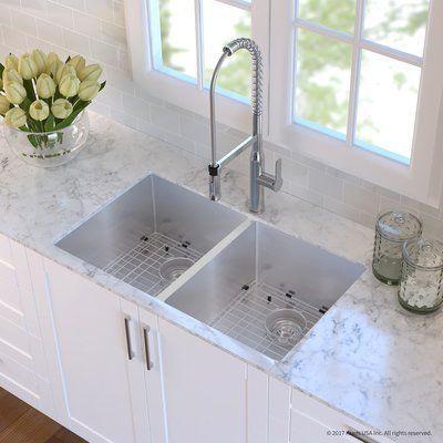 Kraus Handmade 16 Gauge Stainless Steel 32 75 X 19 Undermount Kitchen Sink And Faucet Finish Chrome Koksdesigner Koksrenovering Och Moderna Kok