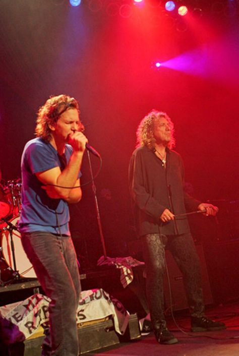 Robert Plant and Pearl Jam, Hurricane Katrina Benefit Concert, Chicago, IL, October 2005.