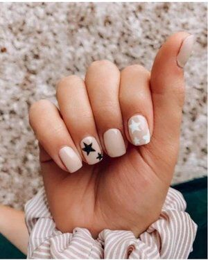 Check Out This Look I Found On Liketoknow It Http Liketk It 2tovf Download The Liketokn In 2020 Short Acrylic Nails Short Acrylic Nails Designs Pretty Acrylic Nails