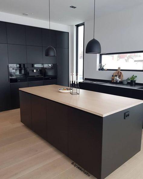 안녕하세요 우노입니다 화이트 연그레이 등의 연한 색상들도 참 좋은데 진한 컬러로 만들어진 주방들은 현대 주방 디자인 모던 부엌 디자인 현대 인테리어 디자인